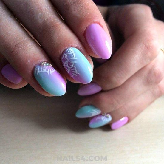 Attractive & Sexy French Manicure Art Ideas - weekend, nails, naildesign, diy, neat
