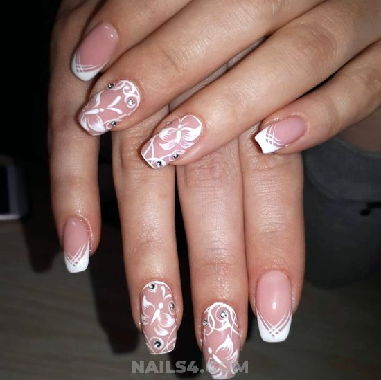 Feminine And Orderly Nails Trend - cute, precious, royal, nail, nailidea