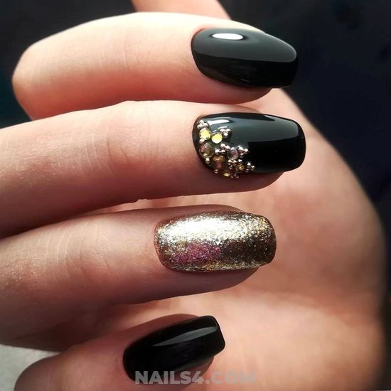 Graceful And Fashion French Acrylic Nail Design Ideas - nails, diynailart, plush, teen