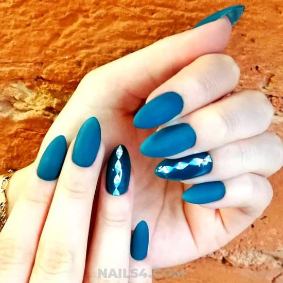 Iconic And Balanced French Acrylic Nails Idea - nailidea, nail, nailsdone, teen, diy