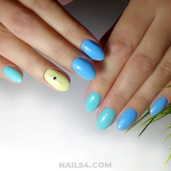 Top & Creative Acrylic Nail Art Design - nailart, beauty, dainty, smart