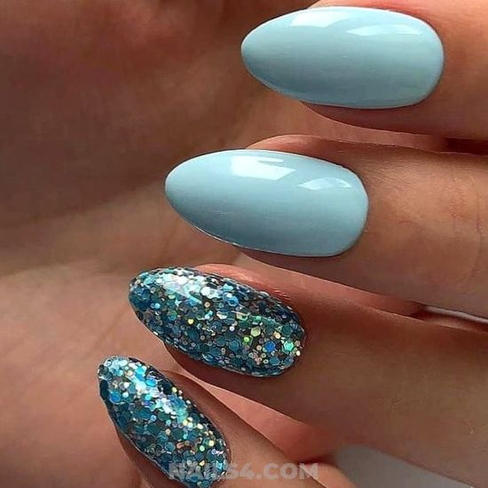 Cool And Glamour Gel Nail Idea - diynailart, manicure, plush