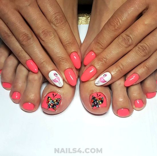 Easy & Casual Nail Ideas - toenail, flamingo