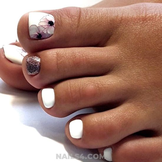 Inspirational & Charming Acrylic Nail Style - floral, white, toes, glitter