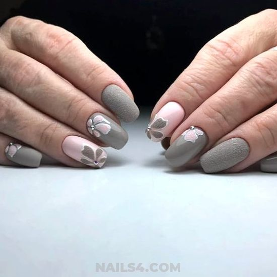 Orderly Best Acrylic Nails Art Ideas - weekend, nails, nailstyle, gotnails