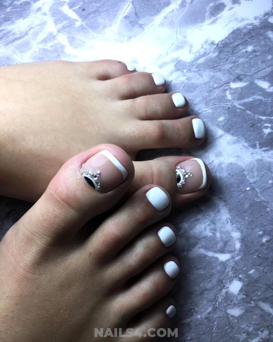 Sexy & Fashionable Acrylic Manicure Art Design - toe, french, rhinestone