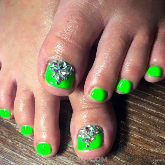 Wonderful And Cool American Gel Nail Style - green, toe, rhinestone